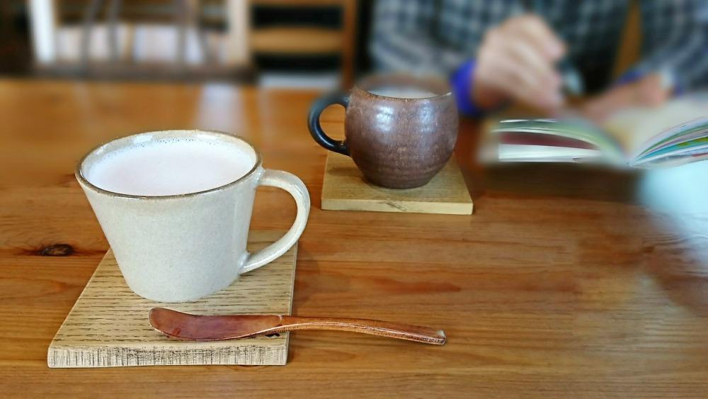 カフェでのインタビュー